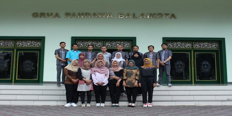 Mahasiswi UAD turut berkontribusi dalam pogram Gandeng -Gendong